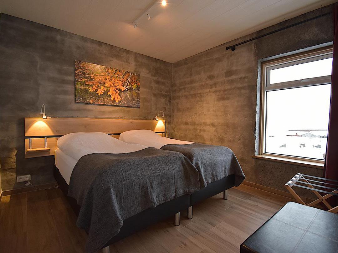 Hotel-Potato-storage-svinafell-ijsland