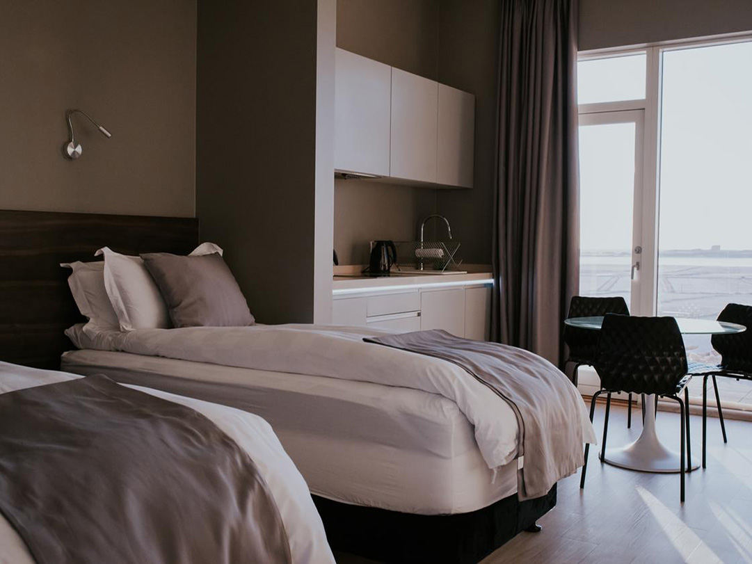 Black-beach-suites-vik
